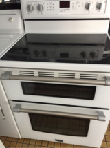 Maytag glass top electric stove like new in San Ysidro, California
