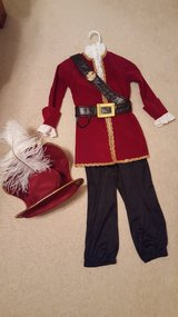 Disney Store Captain Hook Costume 5/6 in St. Charles, Illinois