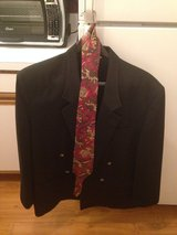 Men's Sport Coat w/ Tie in Plainfield, Illinois