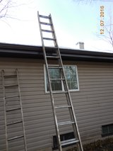 28 ft. aluminum extension ladder in Bolingbrook, Illinois