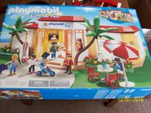 Playmobil Summer Fun Inn/ Hotel! 446 pieces. Practically BRAND NEW!! All pieces included!! in Bartlett, Illinois