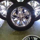 265/70R18 SPINNER RIMS- 5 LUGS WITH 3 TIRES in Barstow, California