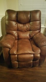 Leather Recliner Sofa & Recliner Chair Exc. Cond. $595 in Kingwood, Texas