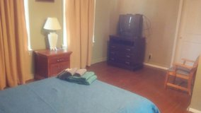 GIGANTIC FRESH ROOM4RENT includes utilities and cable in Macon, Georgia