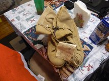 Tan Gortex Brand New with Tags SZ 13D in Fort Campbell, Kentucky