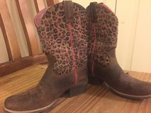 Girls ARIAT All-Leather Boots sz 1 in Baytown, Texas