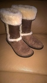 Ugg boots in Sandwich, Illinois