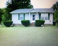 2 bed 1 bath home in Oak Grove in Fort Campbell, Kentucky