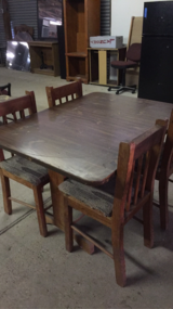 Kitchen table w/ 4 chairs in Fort Polk, Louisiana
