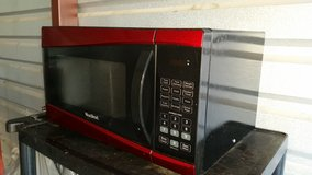 Nice microwave in good condition in Fort Bliss, Texas