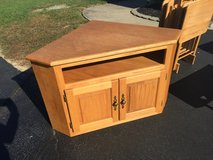 Solid wood corner tv stand in Dover AFB, Delaware