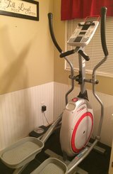 Elliptical - Schwinn 420 in Leesville, Louisiana