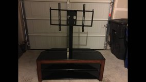 Flat panel tv stand in Dover AFB, Delaware