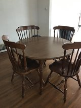 Dinning room table and 4 chairs in Ottawa, Illinois
