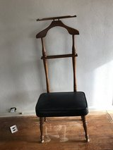 Chair valet stand in Ottawa, Illinois