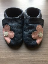 Baby crib/house shoes - 6-14mo. in Heidelberg, GE