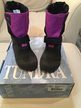 Tundra Quebec girls winter boots....size 12 in Yorkville, Illinois