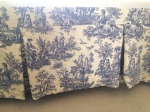 Bedskirt Blue Toile pattern in Great Lakes, Illinois