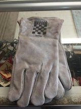 Brand new welding gloves in Byron, Georgia