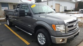2013 Ford F150 SUPERCAB 4WD W/ 33k Miles in Bartlett, Illinois
