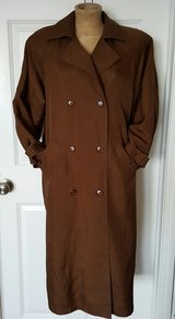 brown trench coat size 6 in Morris, Illinois