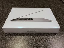 "2016 Apple 15"" MacBook Pro 2.6Ghz i7 16GB 256GB MLH32LL/A Touch Bar in Oswego, New York"