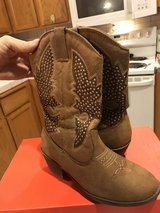 Justice Cowgirl boots in Fairfield, California