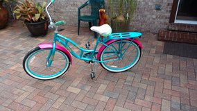 Women's Schwinn Del Mar Beach Cruiser Bicycle in Mayport Naval Station, Florida