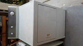 Electric Kenmore Dryer in MacDill AFB, FL