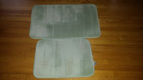 1 memory foam bathrom mats- ligth green in Wilmington, North Carolina