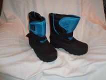 Boys Snow Boots size 5, Blue and Black, Gently Used in Glendale Heights, Illinois