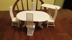 Barbie Doll sized Kitchen Dining Oval Table and 4 Chairs and Island Table in Macon, Georgia