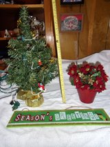 18 INCH CHRISTMAS TREE PRE-LIT. POINSETTA, SEASONS GREETINGS PLAQUE - $15 (HARKER HEIGHTS) in Fort Hood, Texas