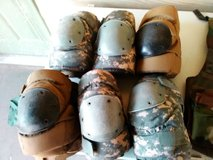 Knee pads and elbow pads in bookoo, US
