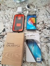 samsung galaxy s4 16gb with otterbox verizon + 3200 mah charger-case in Fairfield, California