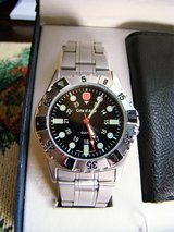 Mens Cote d' Azur Stainless Steel Watch w/ Leather Wallet (NEW) in Camp Lejeune, North Carolina