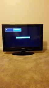 32 inch Samsung flat screen TV with wall mount in Camp Pendleton, California