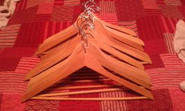 Wooden Hangers- Set of 20 in Alamogordo, New Mexico