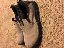 Trek shoes - young boy EUC in Fort Campbell, Kentucky