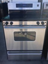 GE Stainless Steel Stove in Camp Pendleton, California