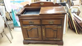 Country Colonial style solid Wood Dry Sink Ex Cond in Chicago, Illinois