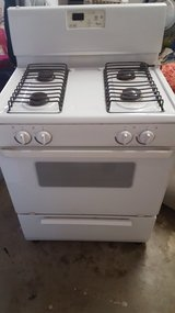 Stove and Fridge for sale in Fort Bliss, Texas