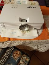 ACER Projector with remote, CD, extra Cords, Carrying Bag. in Spangdahlem, Germany