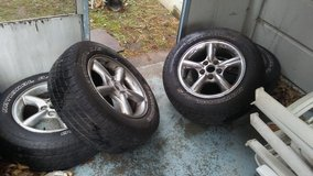 2002 jeep grand cherokee rims with tires in Philadelphia, Pennsylvania