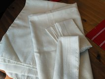 **REDUCED** Pretty Cream and Gold Tablecloth and 6 napkins in Naperville, Illinois