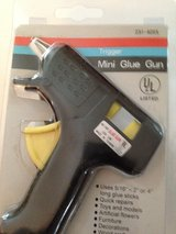 Mini Glue Gun in Glendale Heights, Illinois