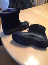 womens winter boots in Glendale Heights, Illinois