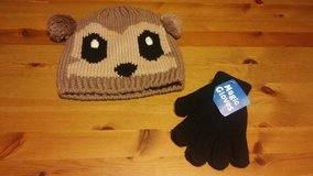 Teddy bear knit hat with gloves in The Woodlands, Texas