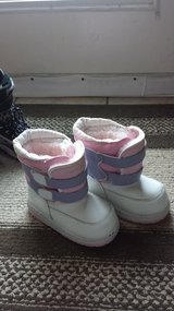 Kids Snow boot in Bolling AFB, DC