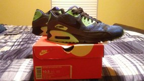 Nike Air Max 90 in Little Rock, Arkansas